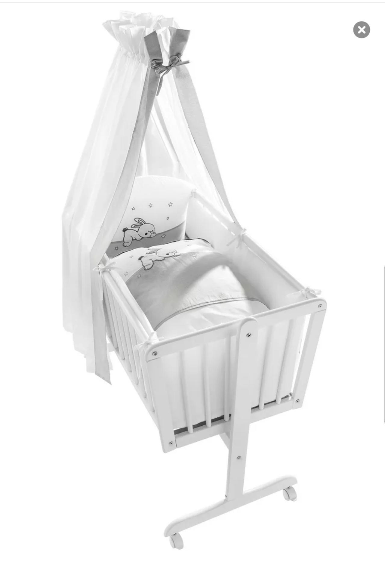 Baby In Wiege Schlafen Lassen Forum Baby Vorbereitung Urbia De
