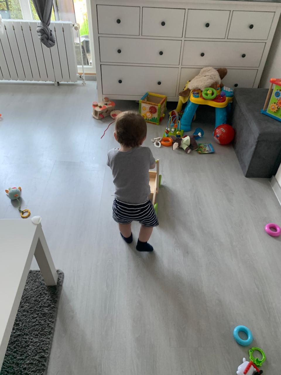 Baby Hält Kopf Nicht Beim Hochziehen