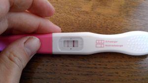 Ganz positiv schwangerschaftstest schwach Schwangerschaftstest sehr